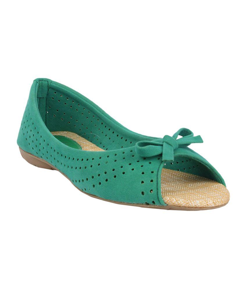 Sindhi Footwear Women's Bellies - Green