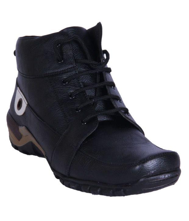 Austrich Black Boots