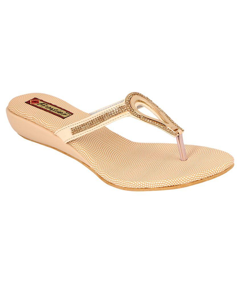 Frontier Beige Round Toe Sandals