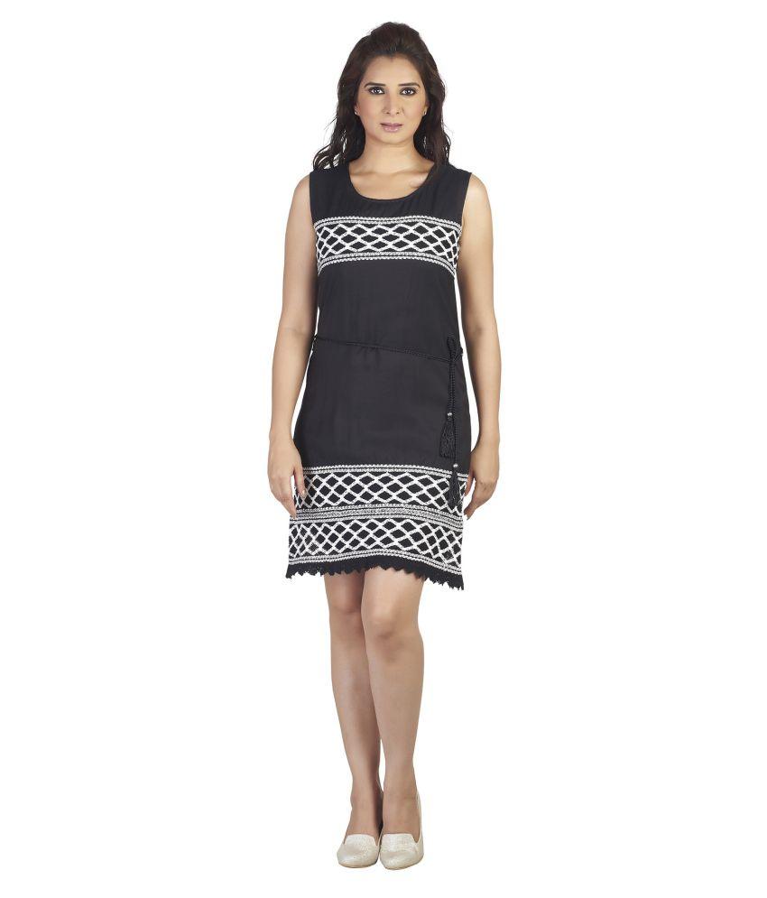 Soie Black Others Dresses