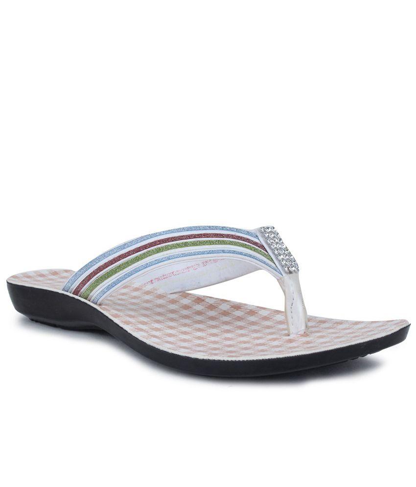 11E Black & White Synthetic Slippers