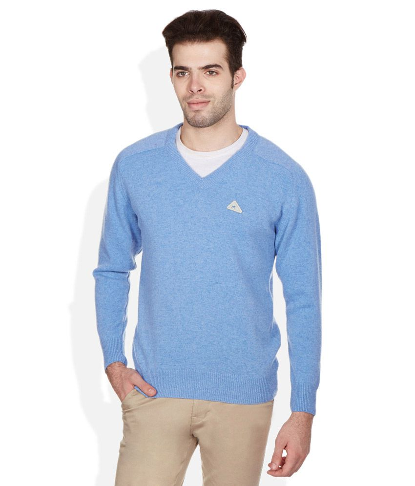 Monte Carlo Blue V,Neck Sweaters