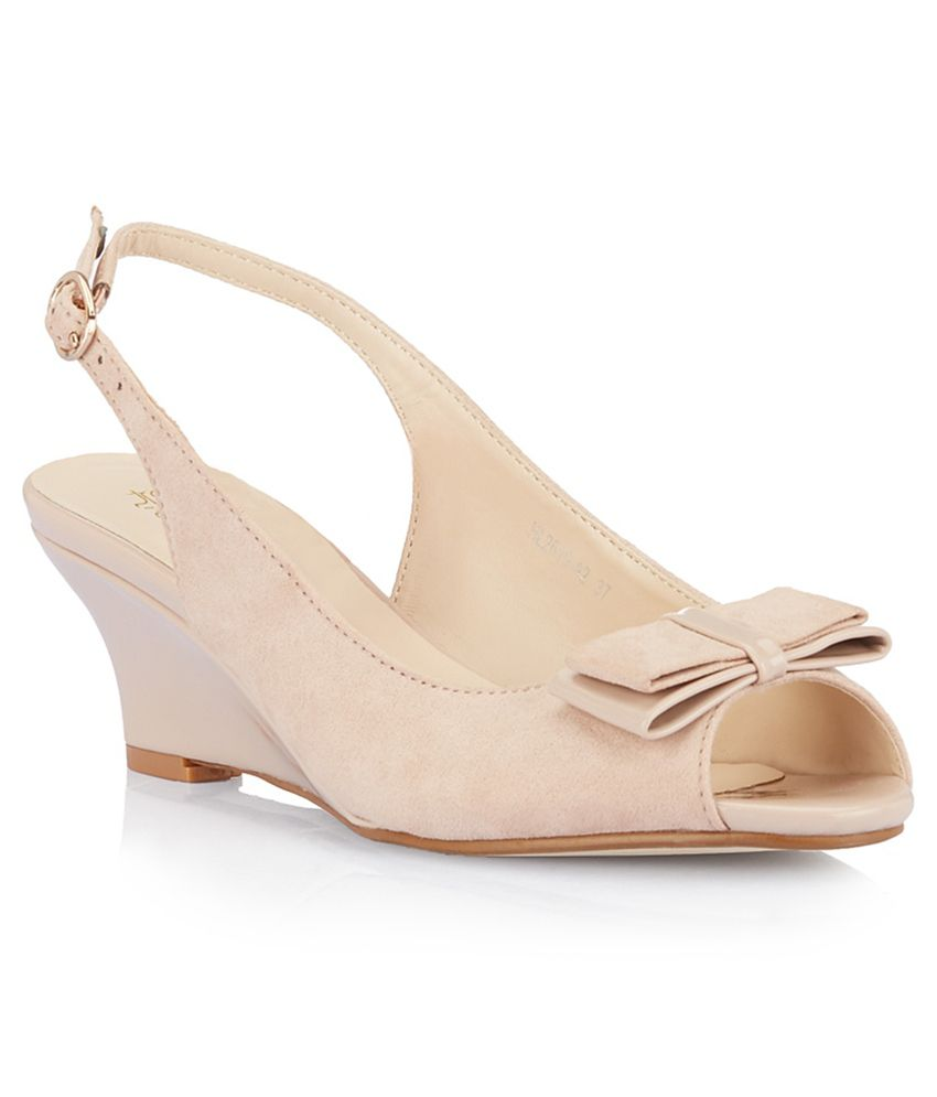 Tresmode Cewedge Beige Heeled Sandals