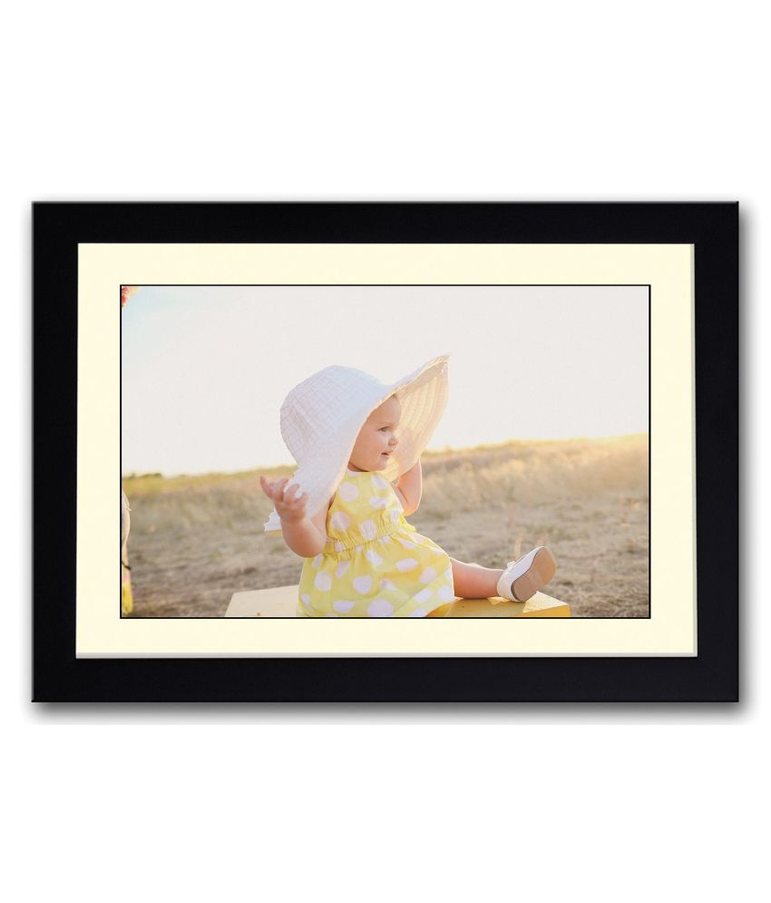 Artifa Matte Baby Girl With Hat Painting With Wood Frame