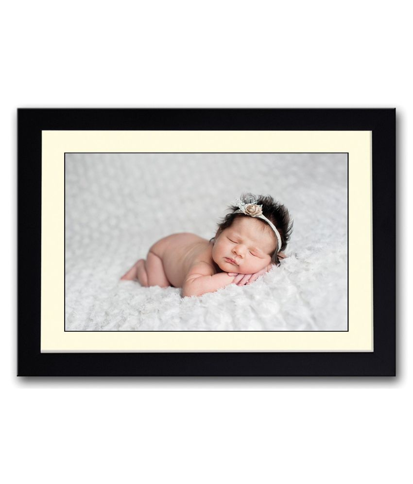 Artifa Matte Baby With Brown Rose Band Painting With Wood Frame