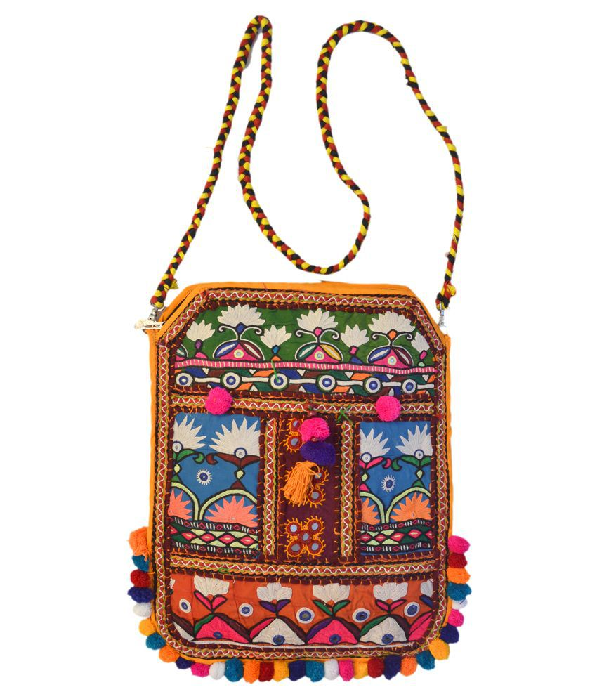 Kutch craft traditional handicraft with kutchi embroidery