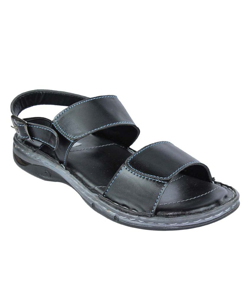 Find women's sandals at David's Bridal including gladiator, strappy & wedge sandals in a variety of colors such as silver, gold & black. Shop online now!