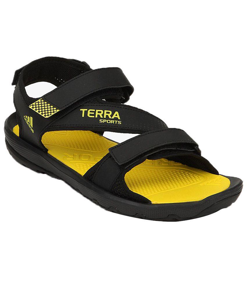 8de8926fc99 Adidas Hewis Black Floater Sandals Adidas Falcon India