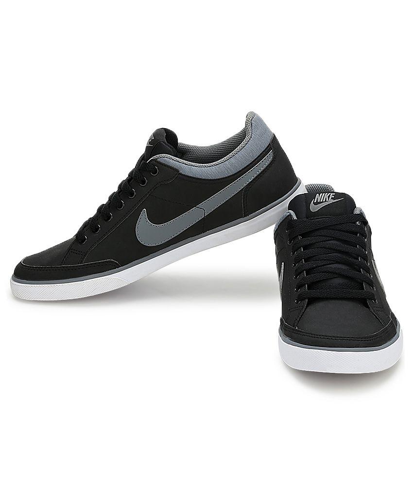 53eaf6d65c4c Nike Black Sneaker Shoes - Buy Nike Black Sneaker Shoes Online at ...