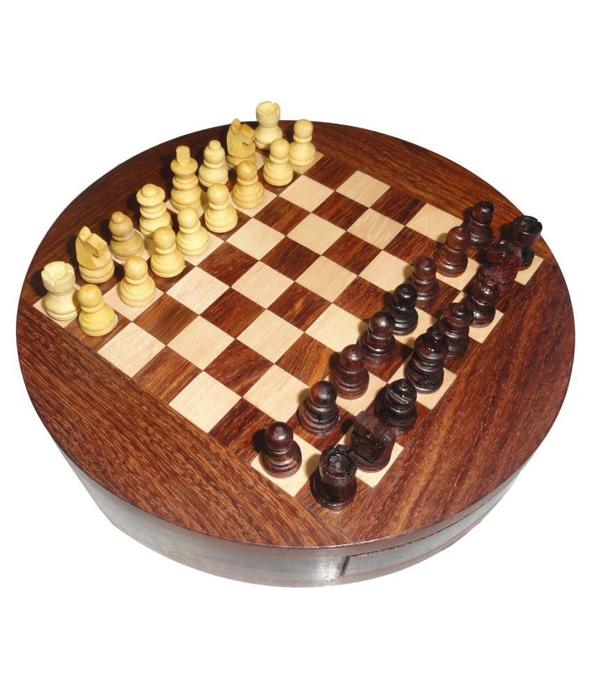 Drashti Magnetic Round Wooden Chess Set