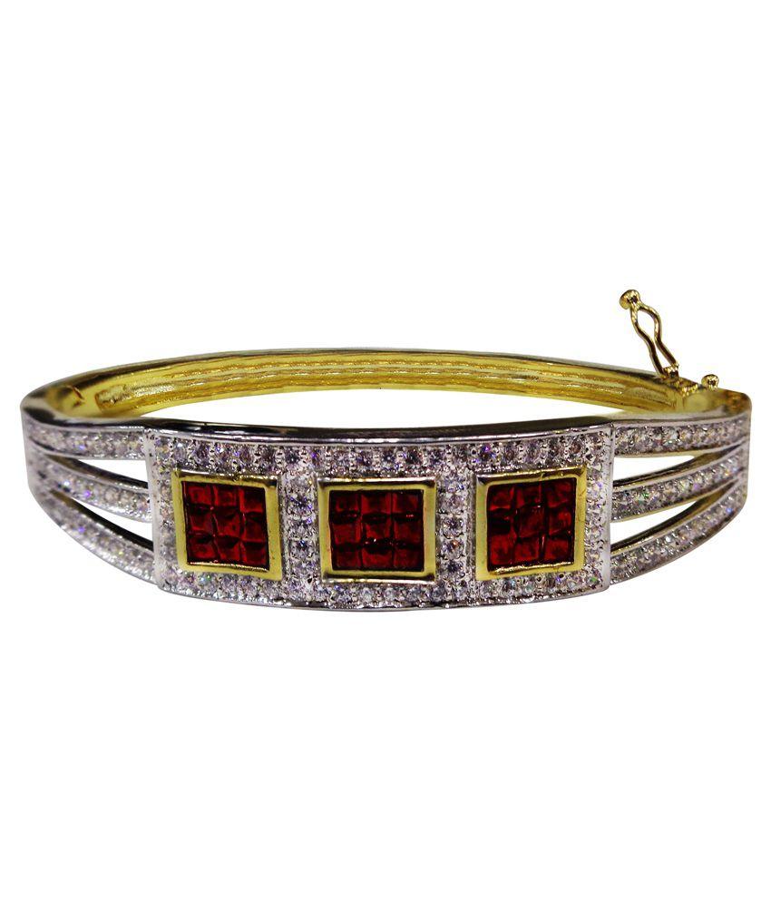 Beauty Concept Silver Alloy Diamond Studded Bracelet