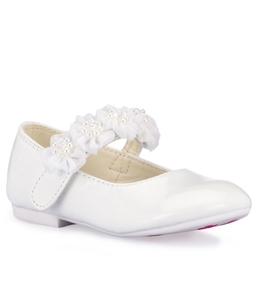 c3662de3b563 Kittens White Bellies For Kids Price in India- Buy Kittens White Bellies  For Kids Online at Snapdeal