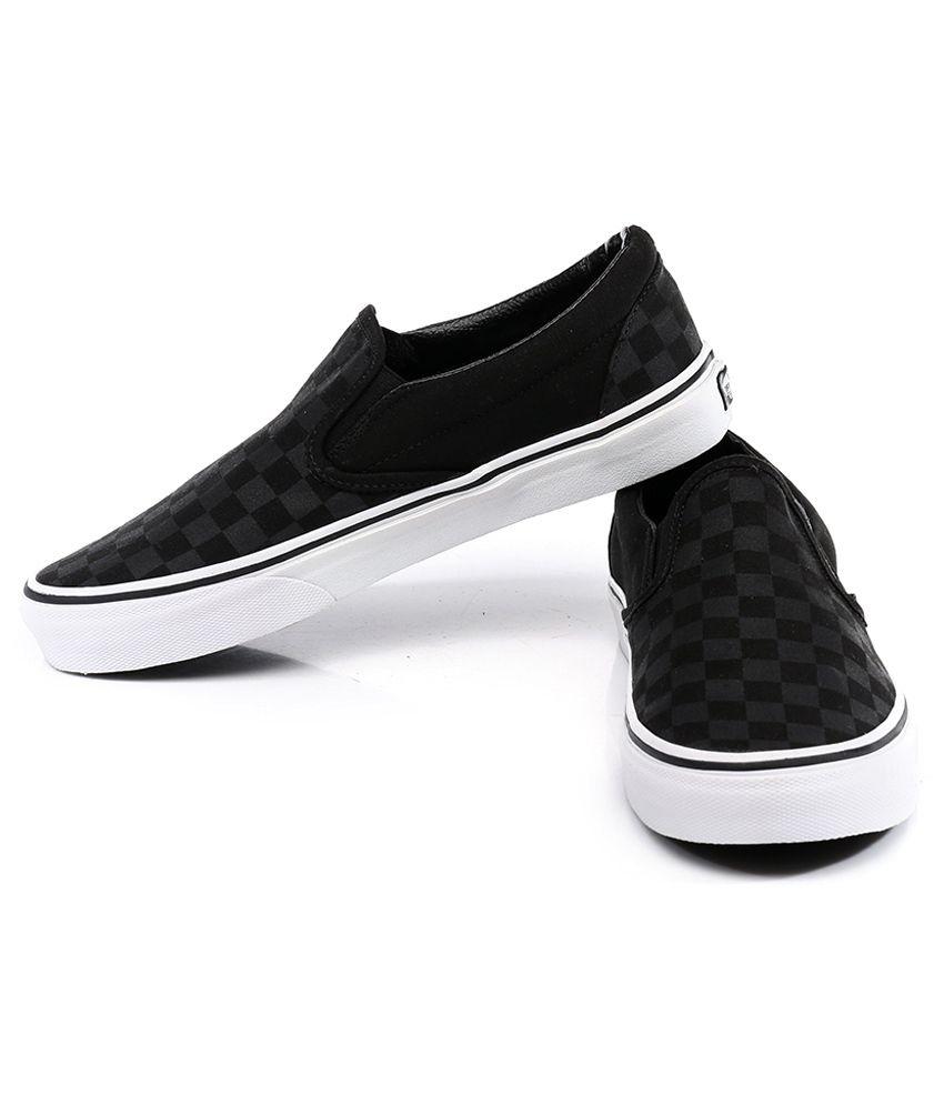 653930feddc Vans Classic Slip On Black Casual Shoes Price in India- Buy Vans ...