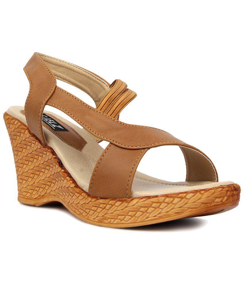 Kielz Brown & Beige Daily Wear Wedge Heeled Sandals