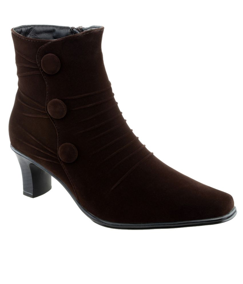 shuz touch trendy brown boots price in india buy shuz