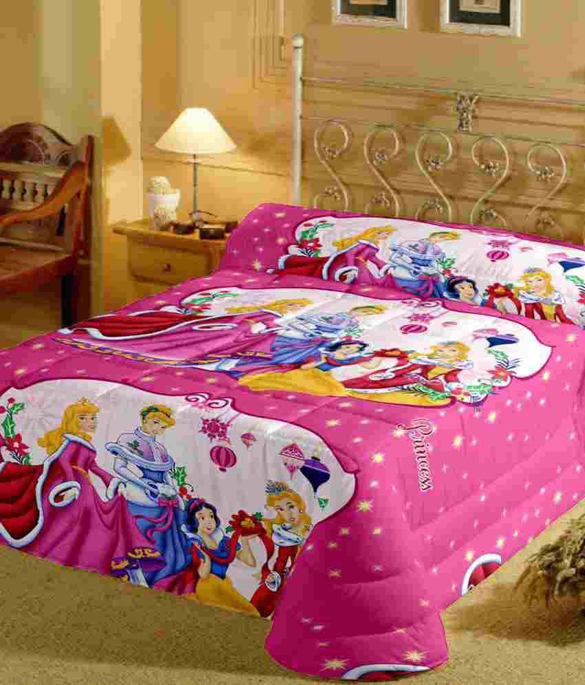 DollarDays - your one-stop wholesale distributor for discount bed linens and bed sheets products, both fitted sheets and flat sheets, cheap twin sheets, bulk full sheets, discount queen size sheets, and wholesale king size sheets.