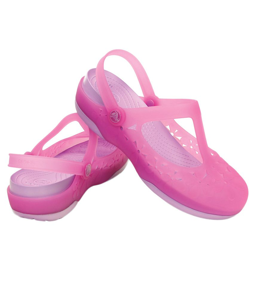 6aa7af0716320 Crocs Pink Flat Slip-on   Sandal Relaxed Fit Price in India- Buy ...