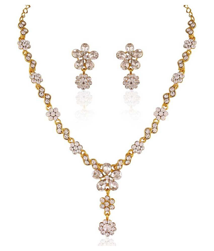 Pearls Cart Gold Alloy Just Like Diamonds Traditional Necklace Set