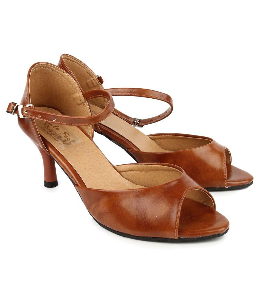 Cute Feet Tan Kitten Heel Sandals Price in India- Buy Cute Feet