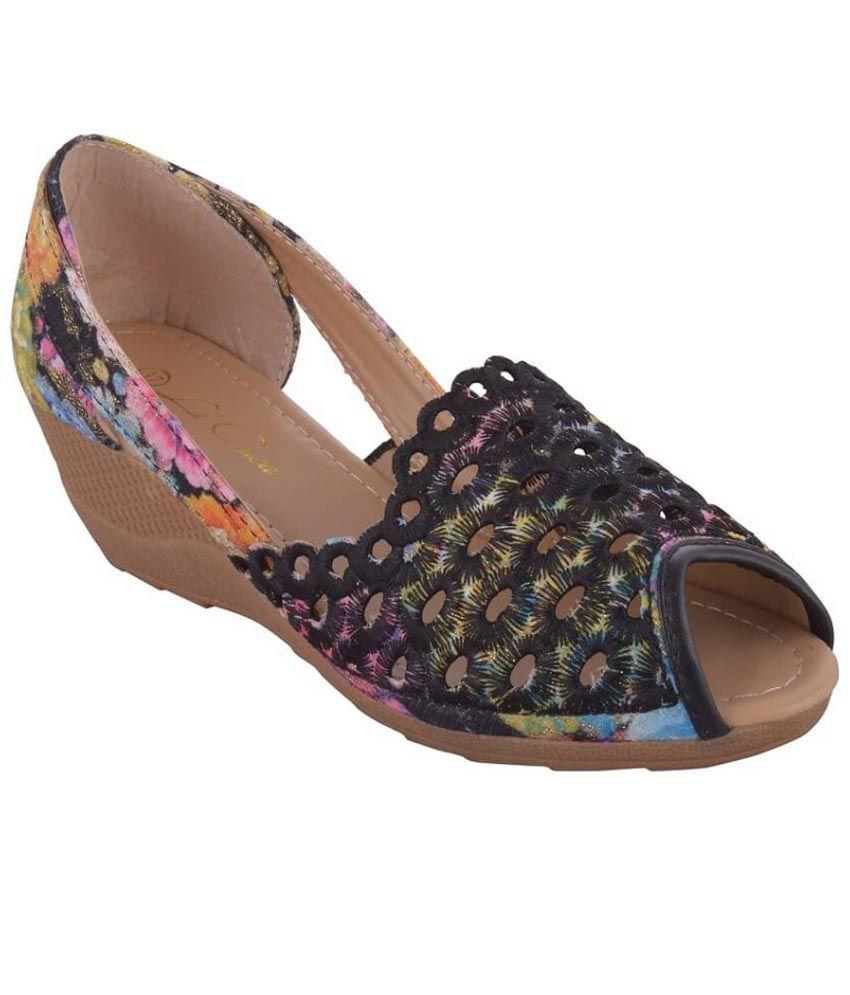 La Chica Black Wedges Heels