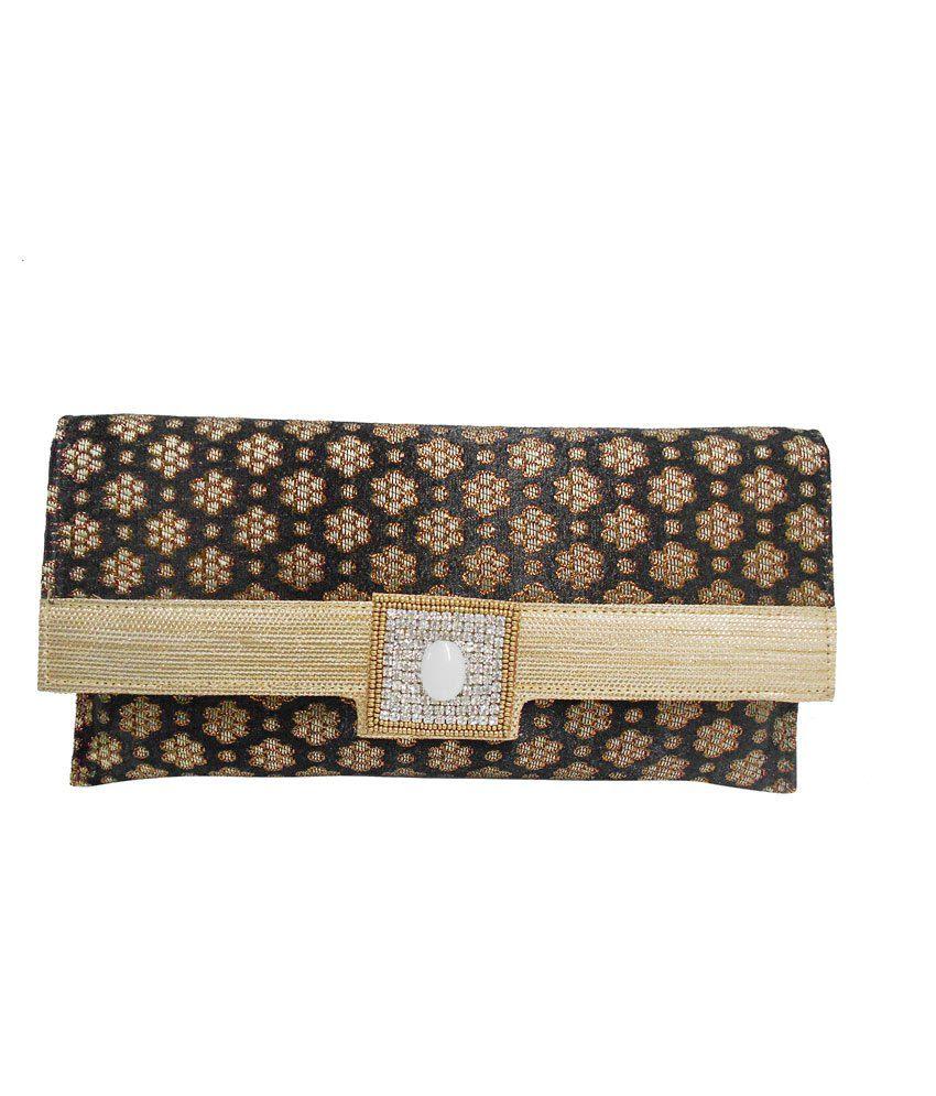 Balee Fashions Black Magnit Button Clutch