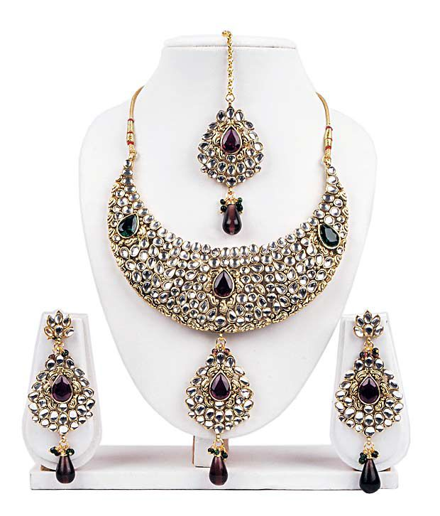 Adhira Extravagant Traditional Design Jadau Necklace Set