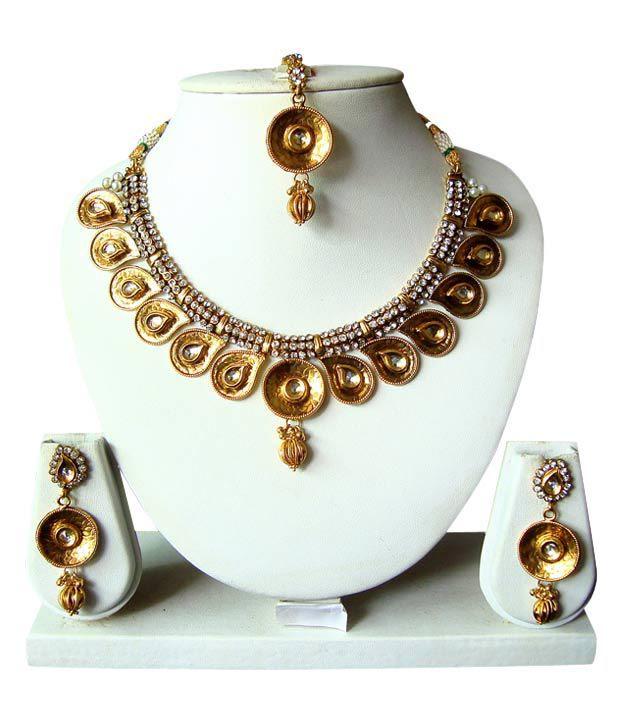 Apsara Golden Circular Necklace Set With Maang Tika