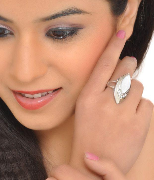 6th Sense Classic White Ring