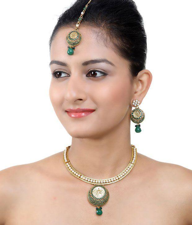 Aradhyaa Jewel Arts Green Polki  Choker Necklace Set With  Maang-tika