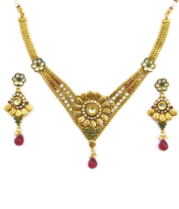 Ratnakar Golden Finish Floral Motif Necklace Set