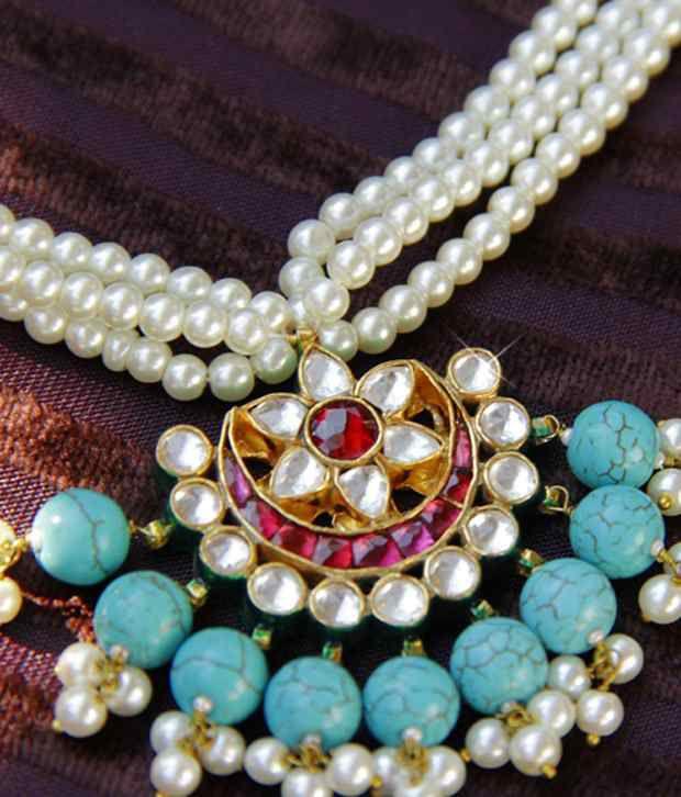 Rentjewels Classy Designer Necklace