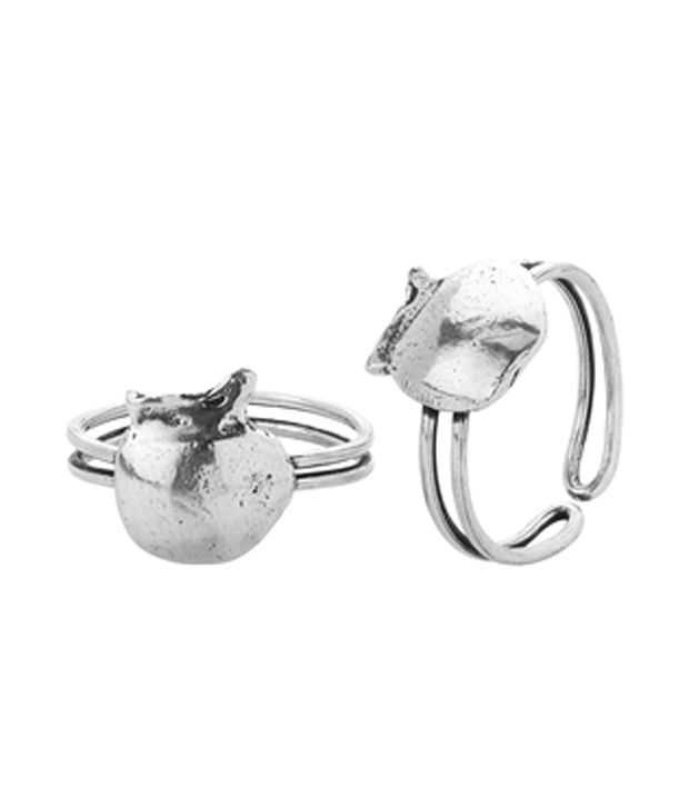 Voylla Silver Plated Toe Rings With Fine Metallic Finish