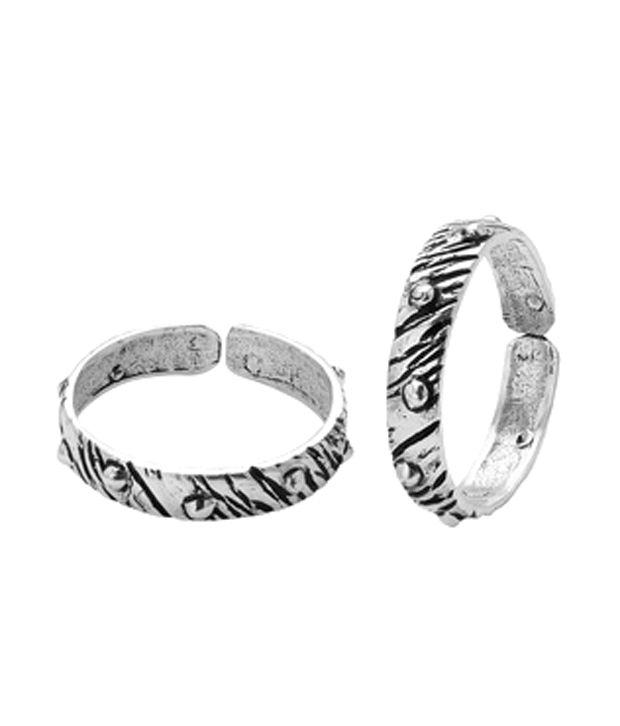 Voylla Graceful Oxidized Silver Alloy Toe Rings