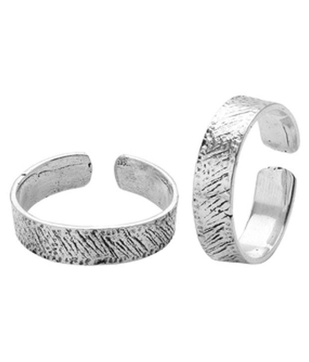 Voylla Elegant Oxidized Silver Alloy Toe Ring Pair