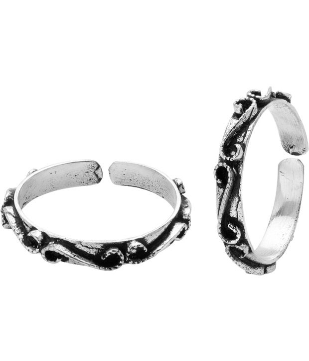 Voylla Classy Oxidized Silver Alloy Toe Ring Pair