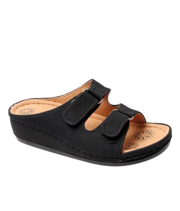 Catwalk Simple Black Sandals