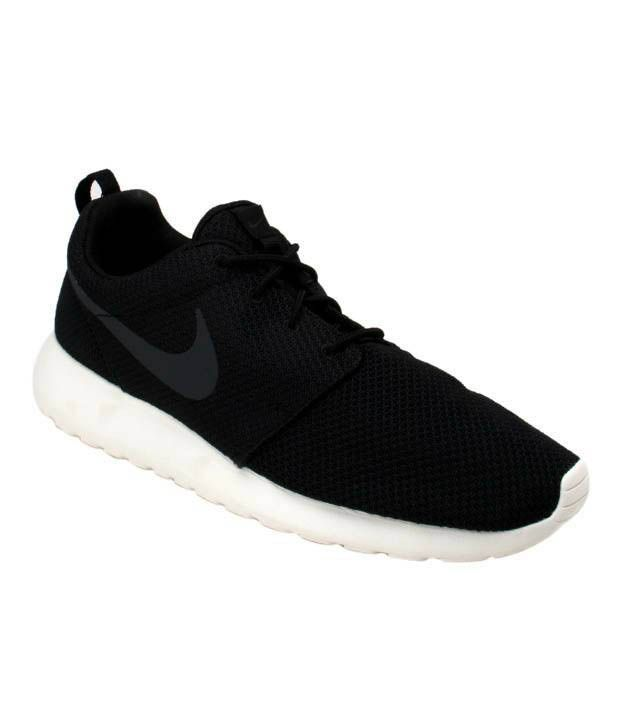 22bb732ef Nike Roshe Run Black   White Running Shoes - Buy Nike Roshe Run Black    White Running Shoes Online at Best Prices in India on Snapdeal