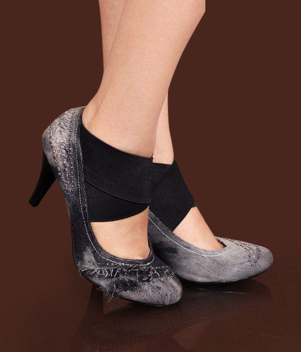 Catwalk Stunning Black Pump Shoes