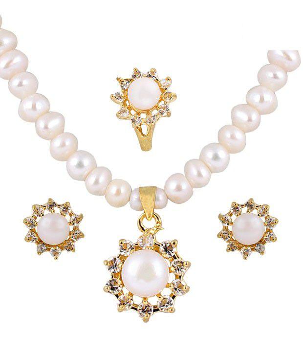 Deccan Enchanting Fresh Water Pearl Necklace Set