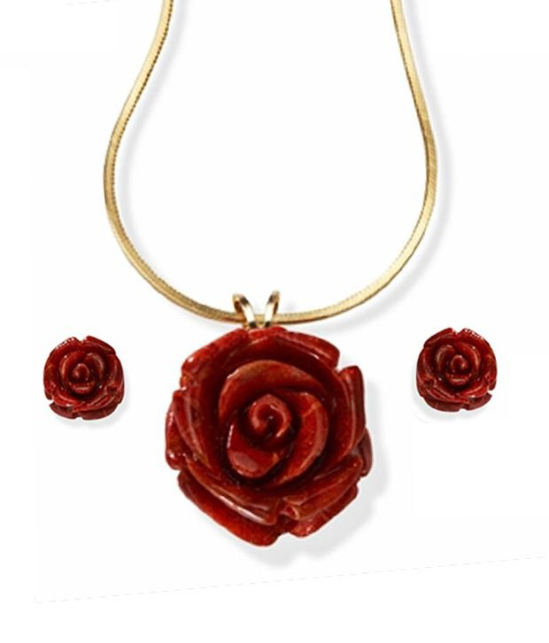 Niharikaa Red Rose Set