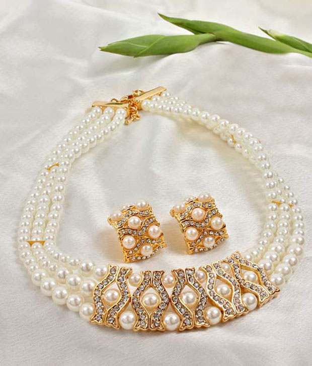 Optima Elegant Water Pearls Necklace Set