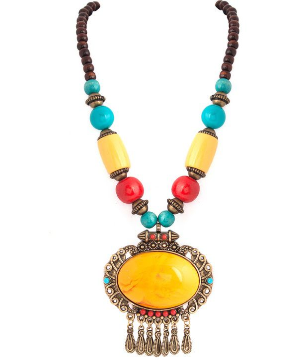 Voylla Fashionable Beaded Necklace With A Oval Pendant