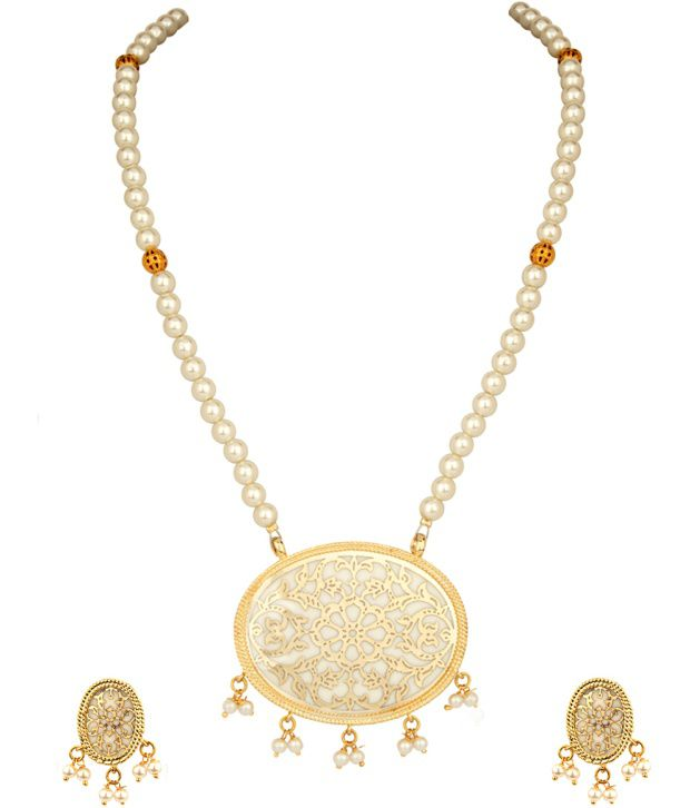 Voylla Oval Style Floral Thewa Art;Pearl Necklace Set