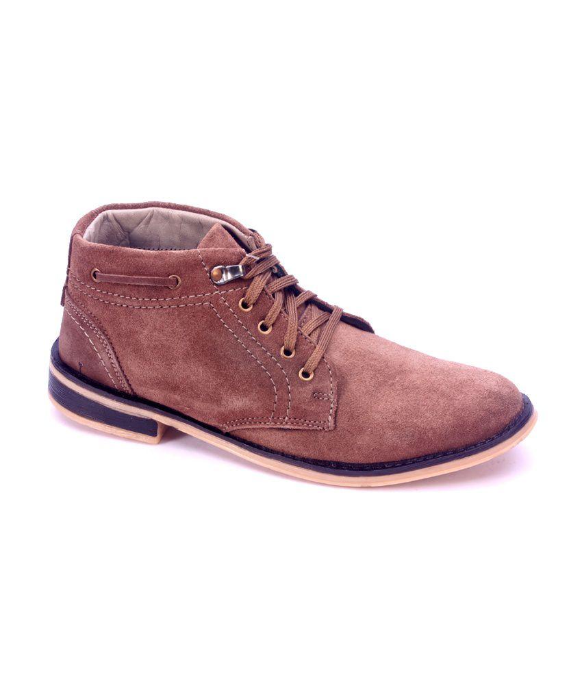 Titas Brown Boots