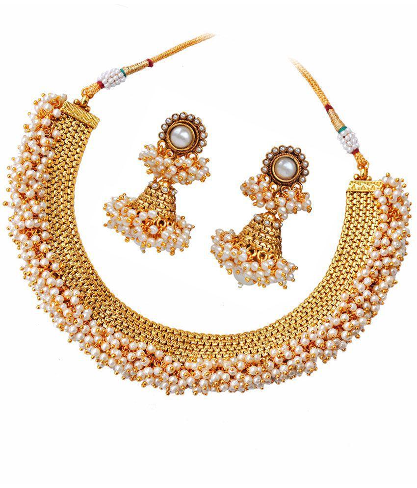 Maayra Charming White Wedding Necklace Set