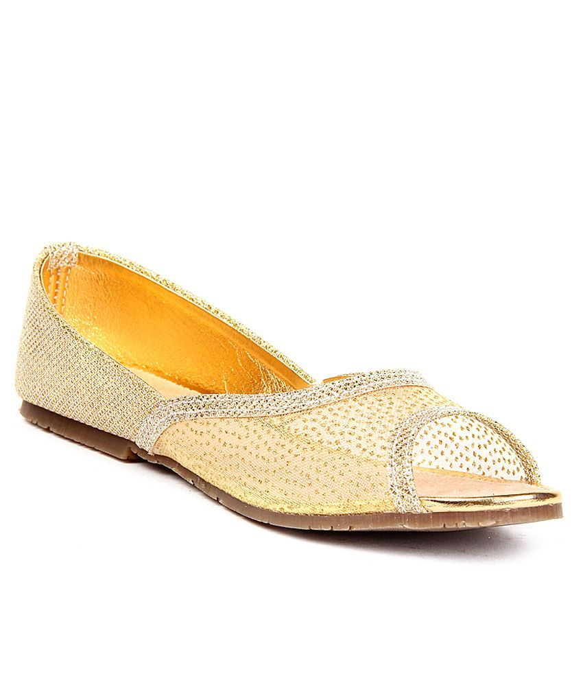 Anand Archies Gold Juttis