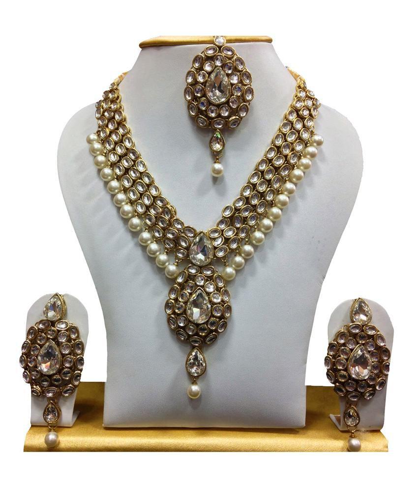 Mokanc White Kundan Necklace Set