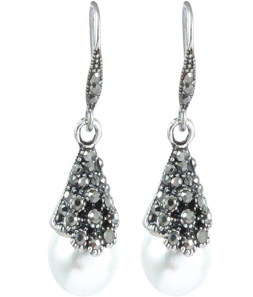 The Jewelbox Pearl Oxidized Look Earrings