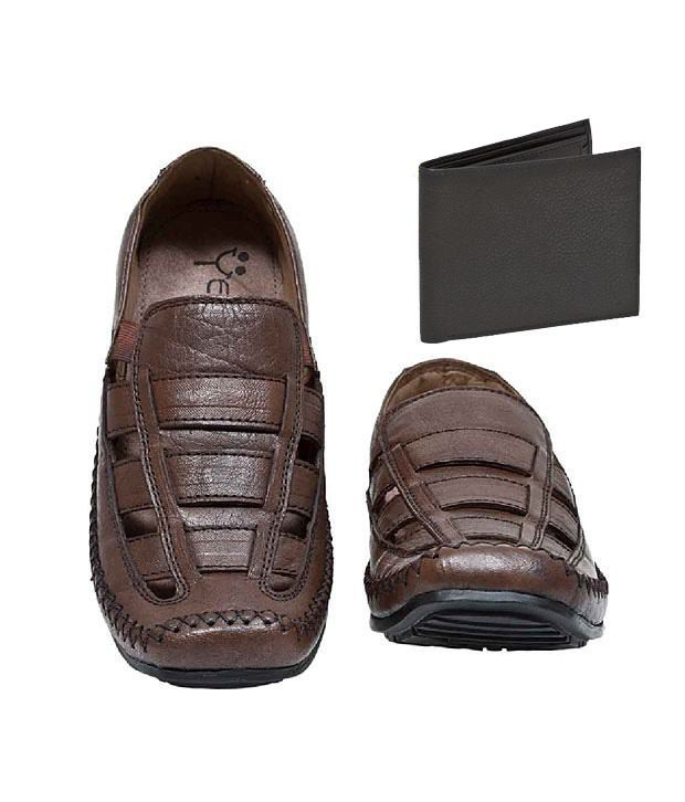Yepme Brown Outdoor Sandals+Free Black Leather Wallet