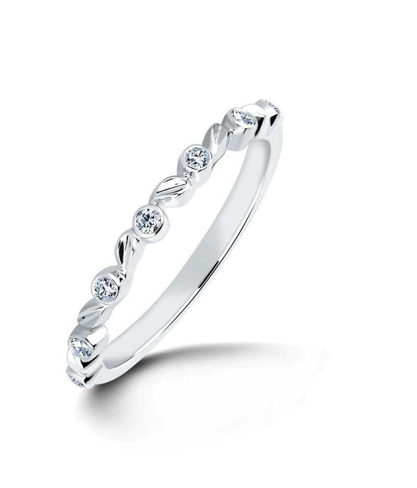 Flower Wreath Ring Hallmark 14Kt Gold with Certified SI/IJ Diamonds